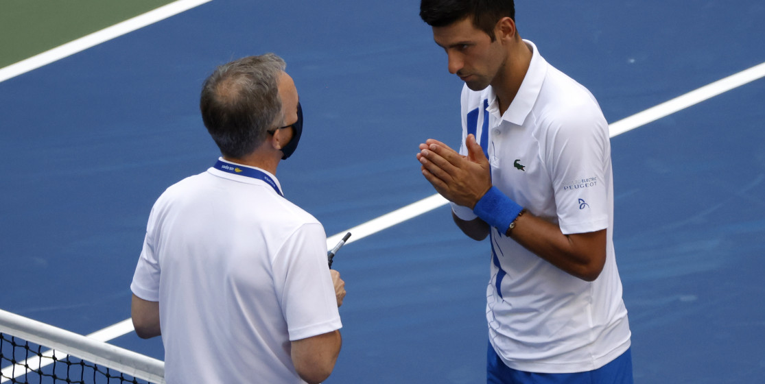 The tennis news (but not only) of the week: Djokovic disqualified and an explosive fly