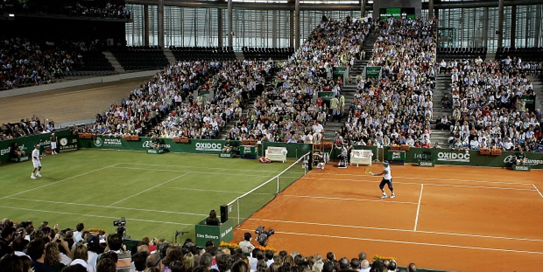 How do French Open champions manage the transition to Wimbledon?