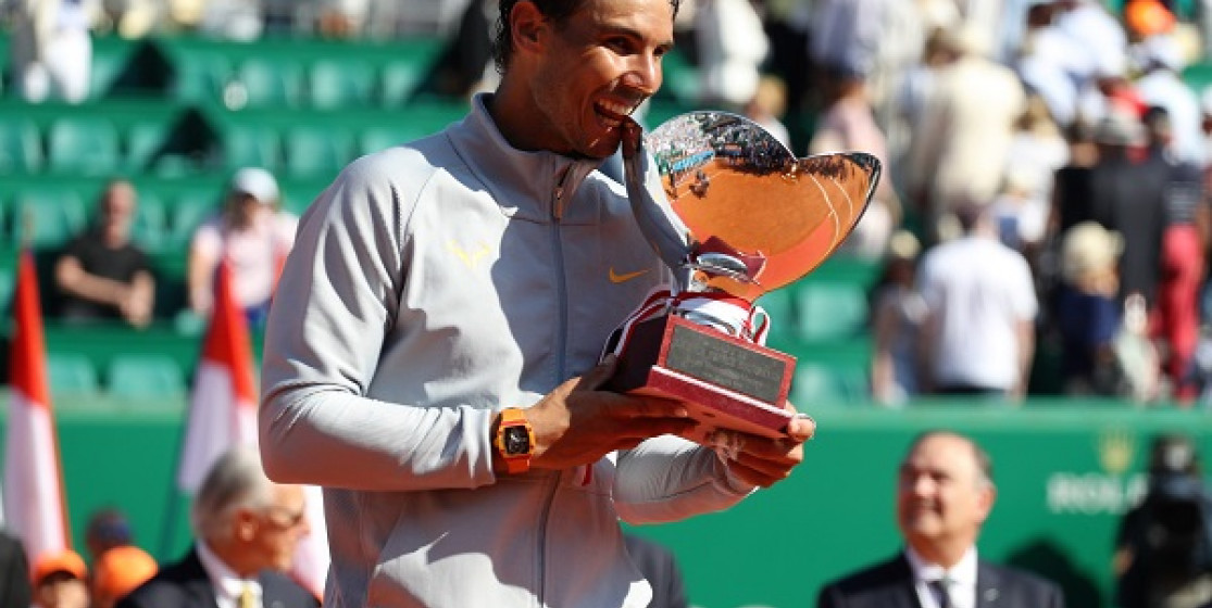 NADAL AND HIS FEET OF CLAY