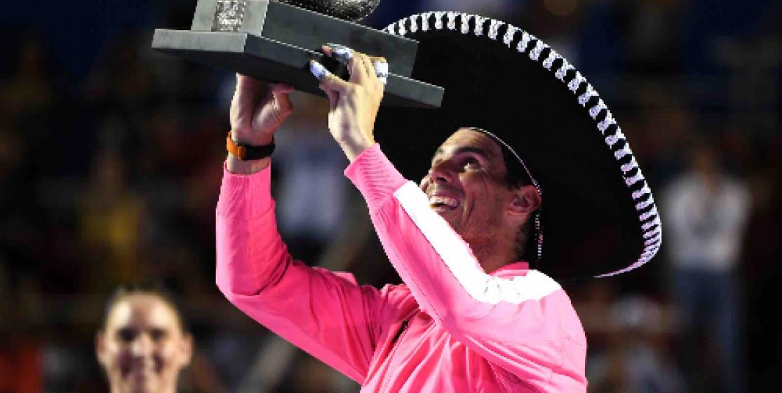 Rafael Nadal remporte le tournoi (et le trophée immonde qui va avec)