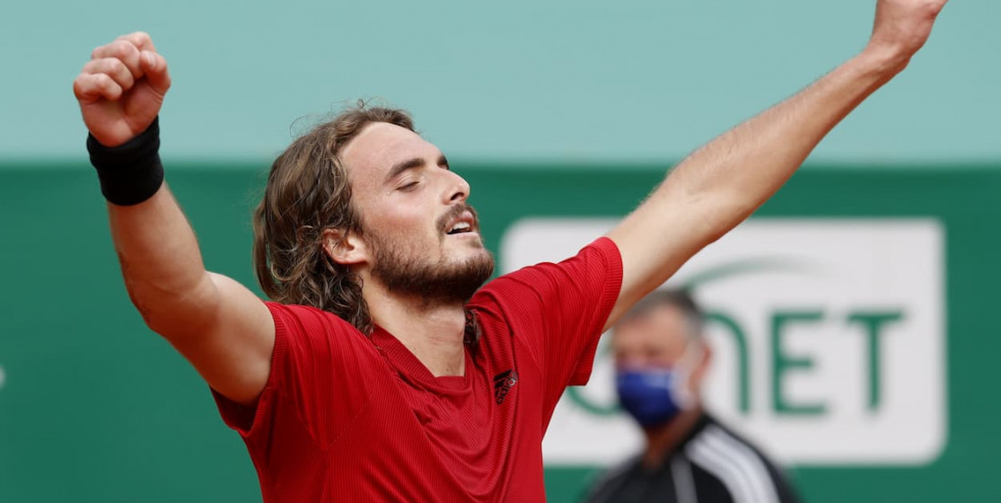 The tennis news (but not only) of the week : a Greek God, some skinned kings and a giant rabbit