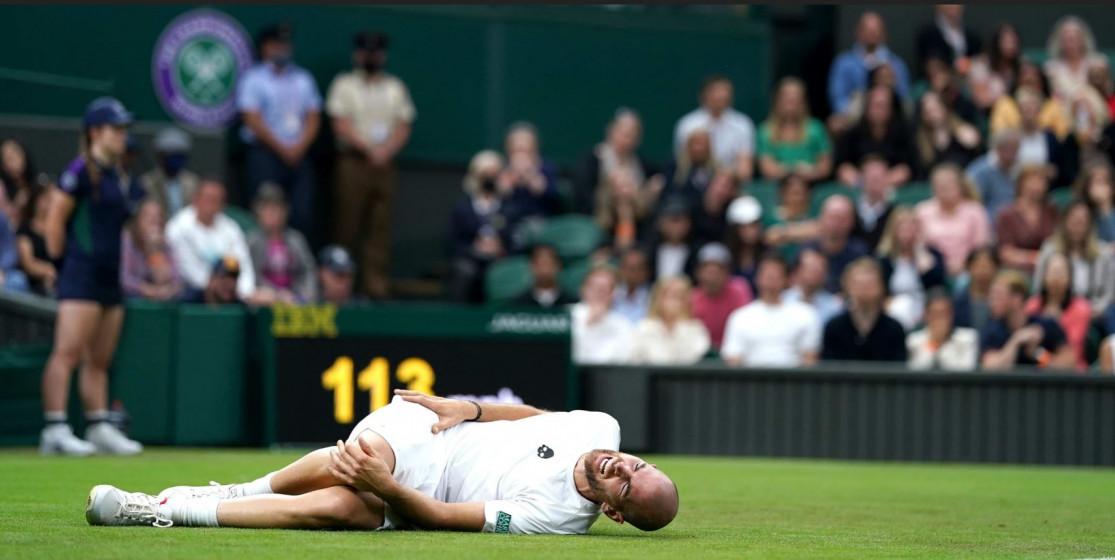 Wimbledon is «extremely slippy»