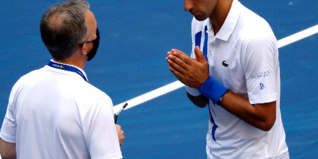 L'actu tennis (mais pas que) de la semaine : Djokovic disqualifié et mouche explosive